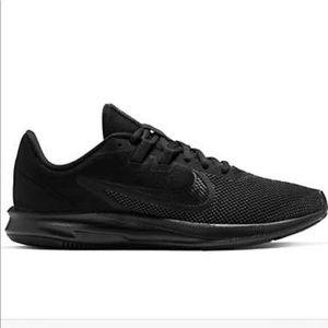 Nike women's downshifter 9 running shoes size 7.5